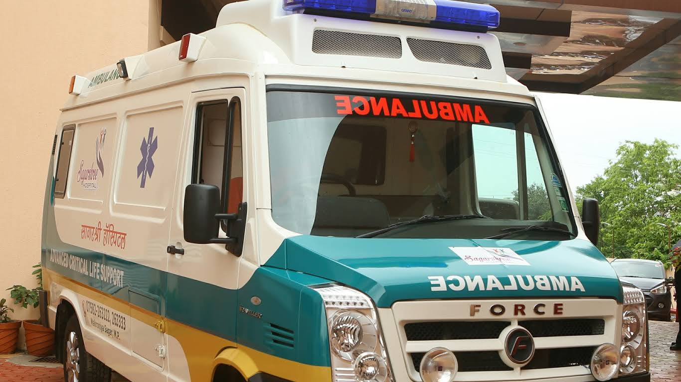 24 Hour Ambulance Service For Patients - Gurdeep Ambulance